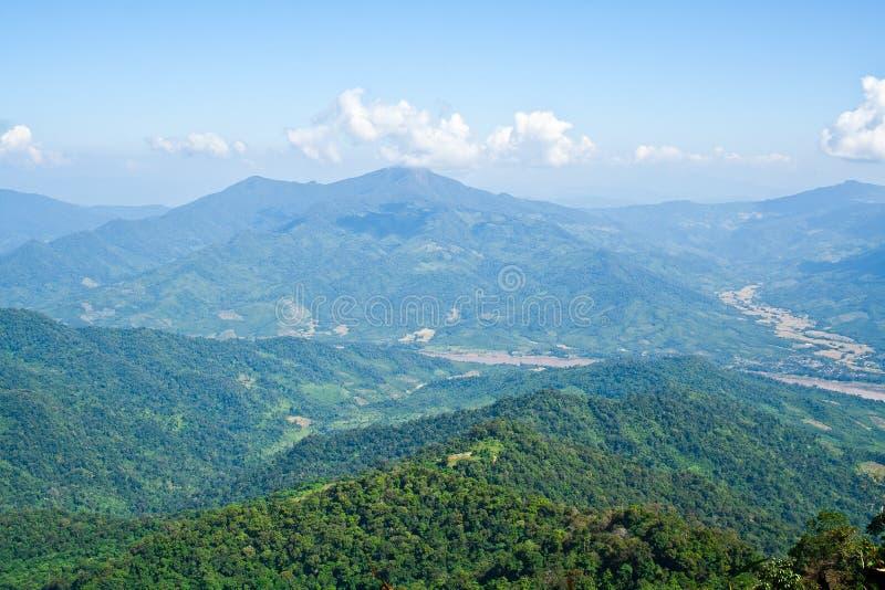 Opinião da paisagem de Tailândia e de Laos fotografia de stock