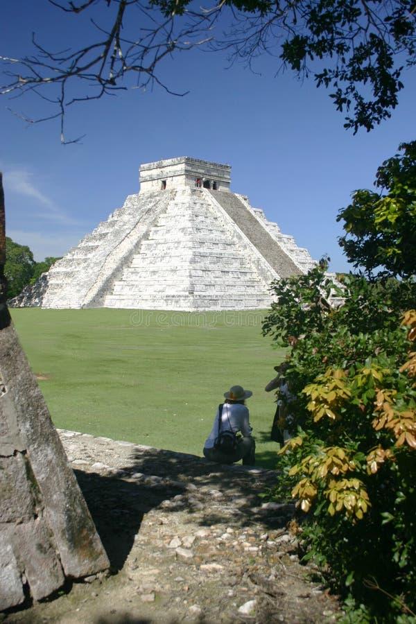 Opinião da pirâmide imagens de stock