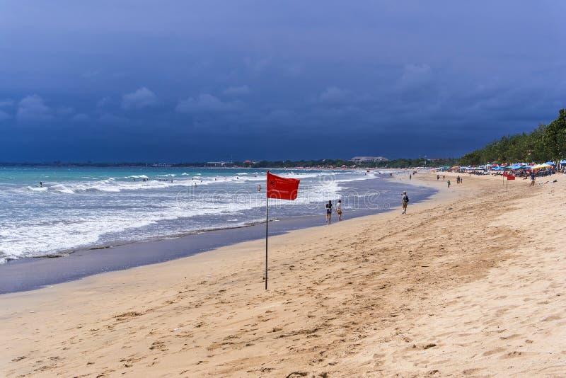 Opinião da praia de Kuta, ilha de Bali imagem de stock