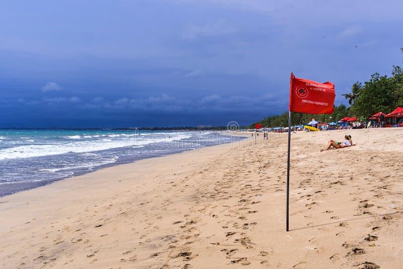 Opinião da praia de Kuta, ilha de Bali imagens de stock royalty free