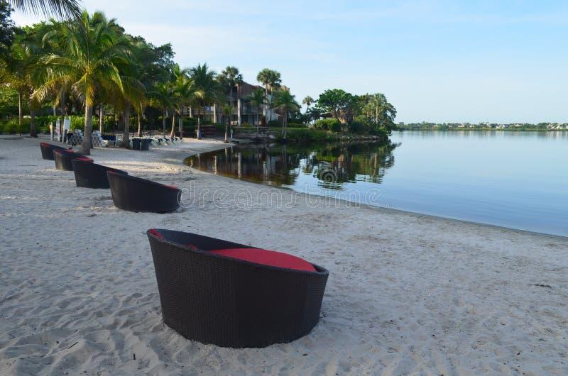 Opinião da praia do amanhecer fotografia de stock royalty free