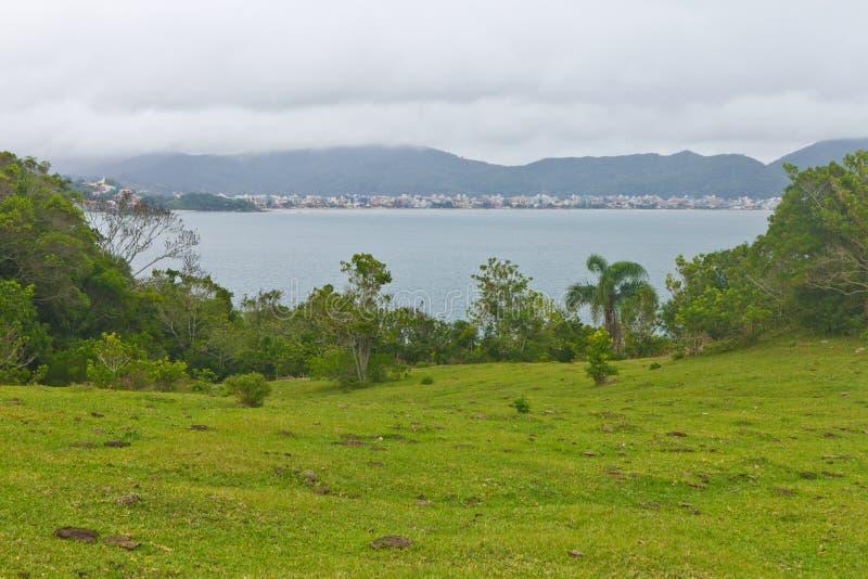 Opinião da praia em Bombinhas imagem de stock royalty free