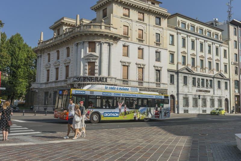 Opinião da rua, Bergamo, Itália fotografia de stock royalty free