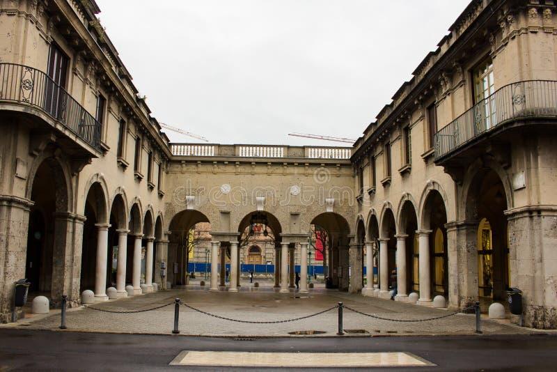 Opinião da rua da cidade de Bergamo imagem de stock royalty free