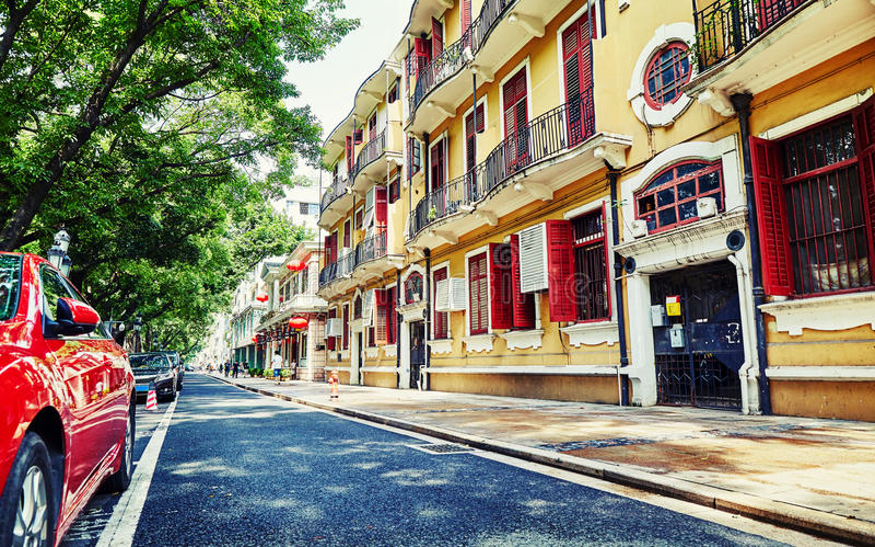 Opinião da rua da cidade em Guangzhou China fotografia de stock
