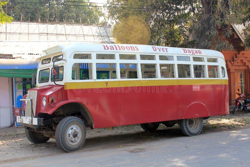 Opinião da rua de Bagan Myanmar foto de stock