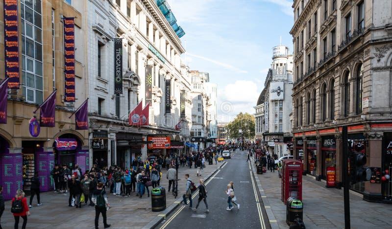 Opinião da rua de Coventry fotografia de stock royalty free