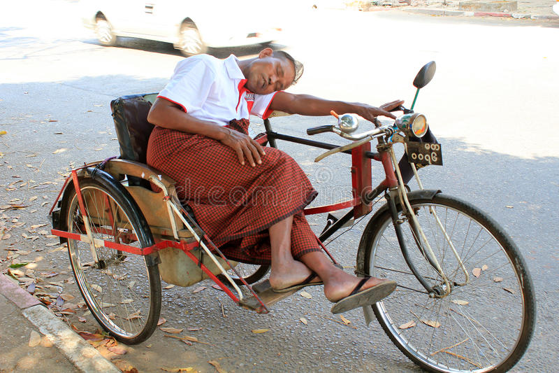 Opinião da rua de Myanmar em Yangon fotografia de stock