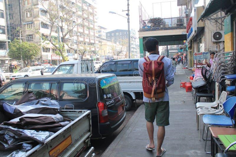 Opinião da rua de Myanmar em Yangon imagem de stock