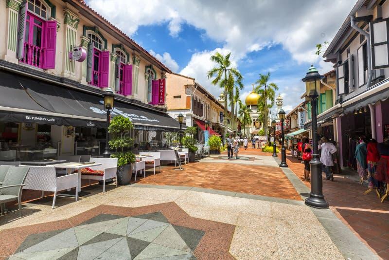 Opinião da rua de singapore com sultão de Masjid foto de stock