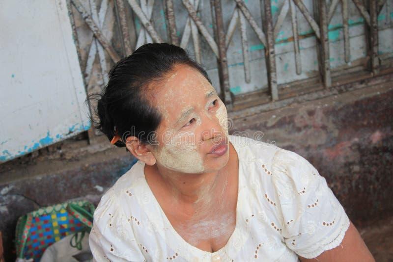 Opinião da rua de Yangon em Myanmar foto de stock royalty free