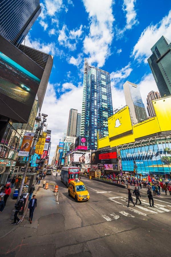 Opinião da rua em Broadway no Times Square NYC imagem de stock royalty free