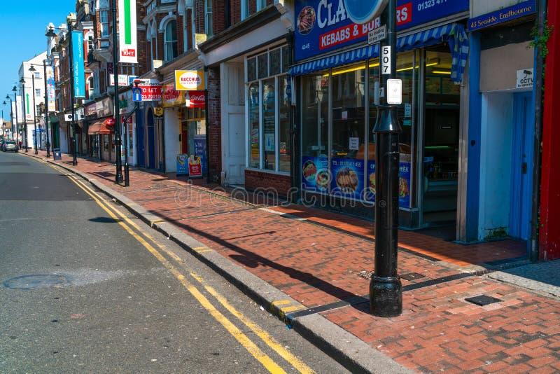 Opinião da rua em Eastbourne, Sussex do leste, Reino Unido fotografia de stock royalty free