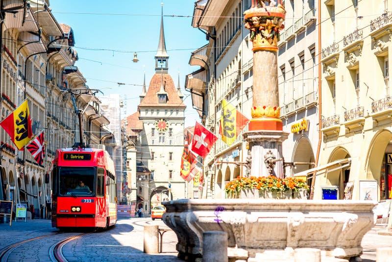 Opinião da rua na cidade de Berna imagens de stock
