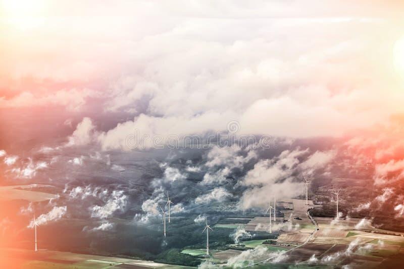 Opinião da skyline com ponto luz-exposto imagens de stock