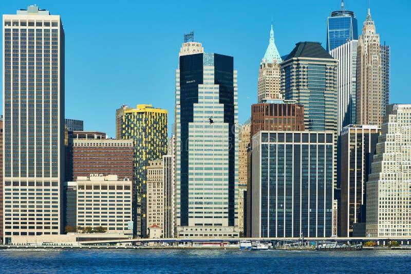 Opinião da skyline do Lower Manhattan de Brooklyn imagem de stock