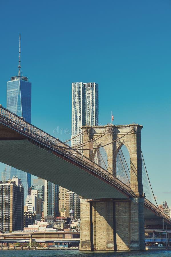 Opinião da skyline do Lower Manhattan de Brooklyn imagens de stock