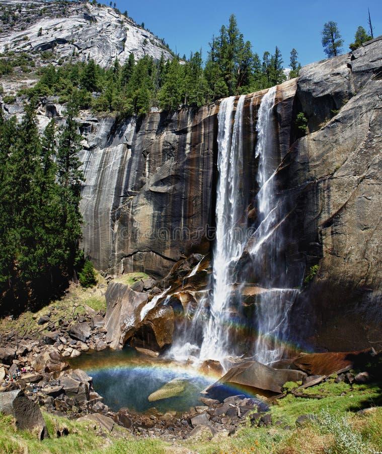 Opinião das quedas do parque de Yosemite foto de stock royalty free