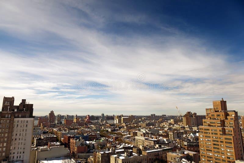 O telhado coberto de neve da vila ocidental cobre Manhattan New York fotografia de stock royalty free