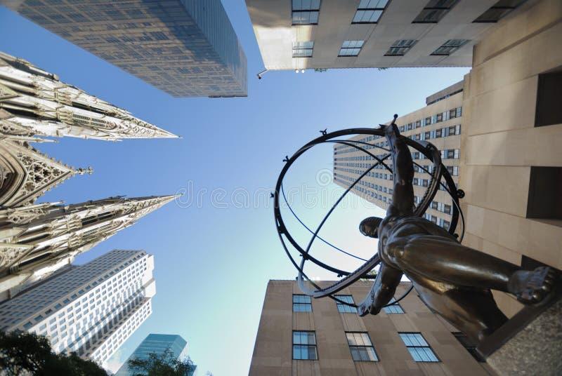 Opinião de ângulo larga de New York City fotografia de stock