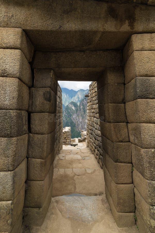 Opinião de ângulo larga detalhada de construções de Machu Picchu, Peru imagem de stock royalty free