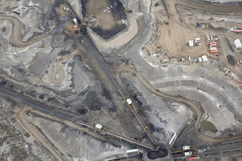 Opinião de areias de óleo, Alberta de Ariel, Canadá foto de stock royalty free