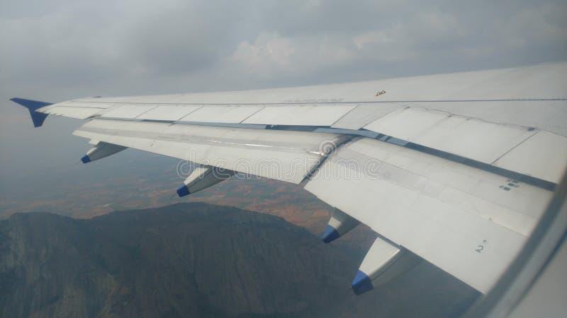Opinião de aterrissagem do voo da montanha em coimbatore foto de stock