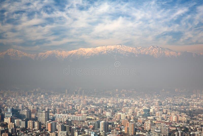Opinião de Birdeye de Andes e de Santiago, o Chile fotografia de stock royalty free
