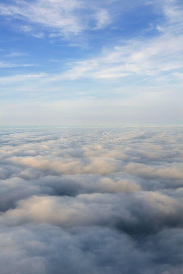Opinião de céu azul do avião dos aviões fotografia de stock royalty free