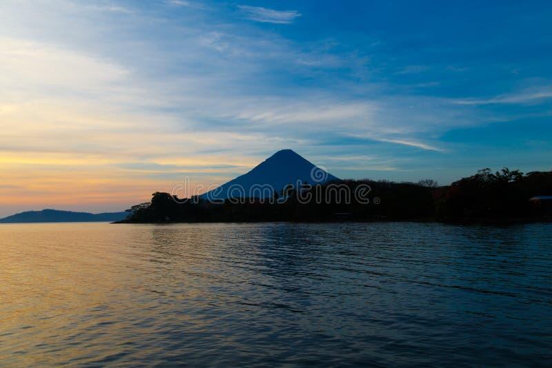 Opinião de Concepción do vulcano de Ometepe fotografia de stock