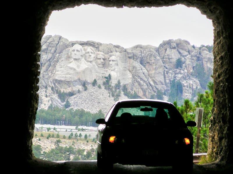 Opinião de Doane Robinson Tunnel do Monte Rushmore imagem de stock