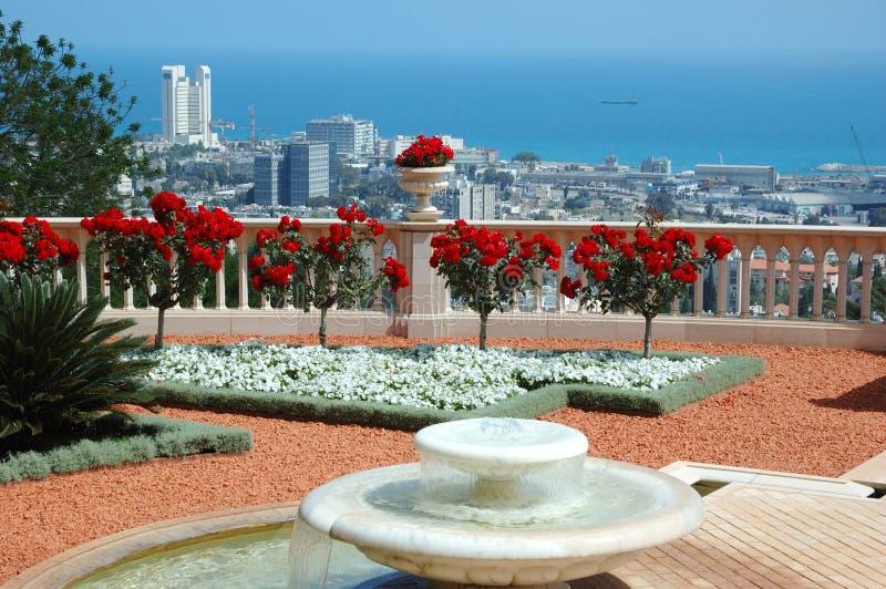 Opinião de Haifa do terraço do jardim do templo de Bahai, Israel imagens de stock royalty free