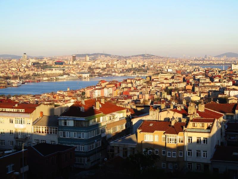 Opinião de Istambul Bosfor da parede velha da cidade fotografia de stock