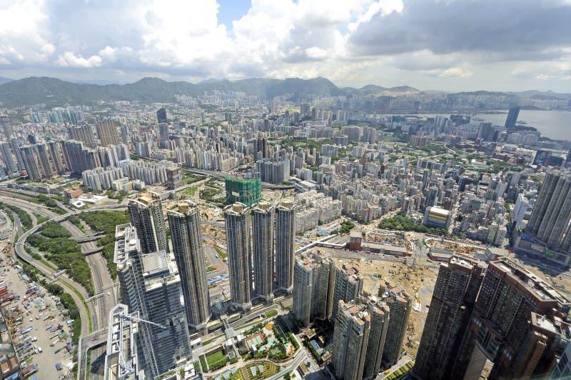 Opinião de Kowloon do centro internacional do comércio foto de stock