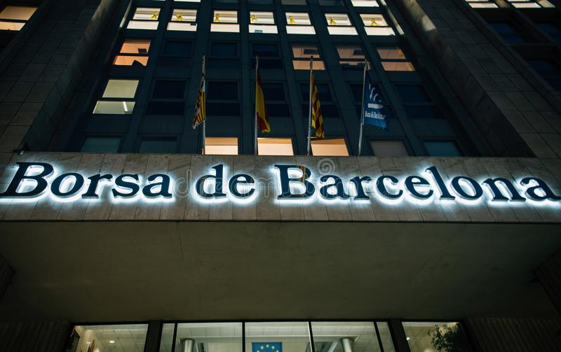Opinião de mercado de valores de ação de Borsa de Barcelona de baixo do financeiro imagem de stock royalty free
