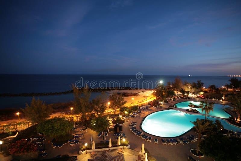 Opinião de Nightsea do hotel fotografia de stock royalty free