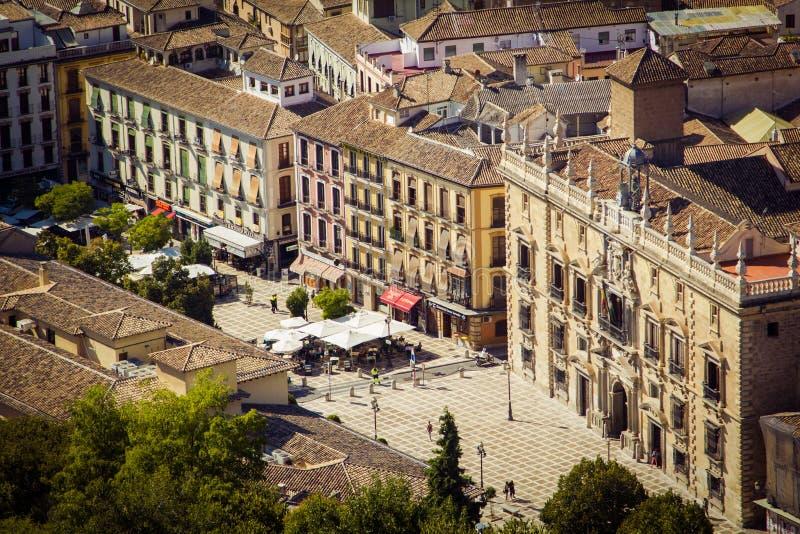 Opinião de Nueva da plaza, Granada, Espanha imagens de stock