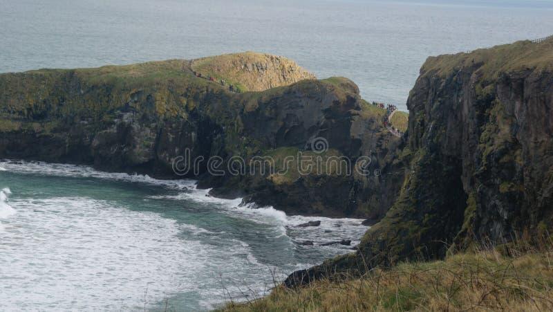Opinião de Oceano Atlântico e de penhascos fotografia de stock