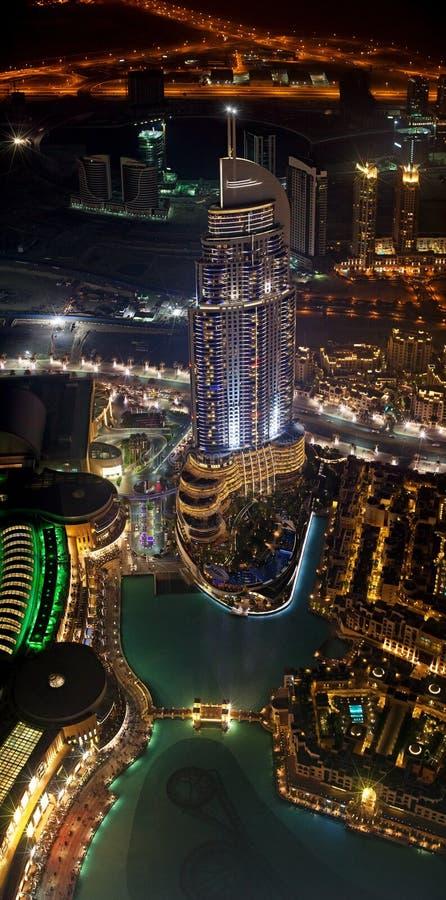 Opinião de olho de pássaro do hotel do endereço em Dubai foto de stock