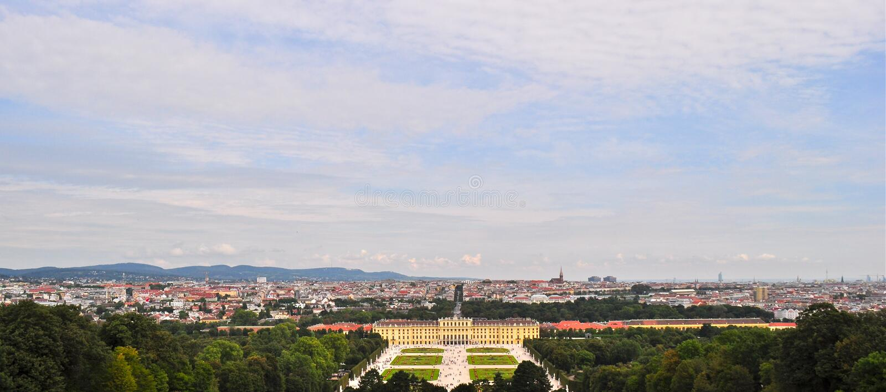 Opinião de Panaromic do palácio Viena Áustria de Schonbrunn fotografia de stock