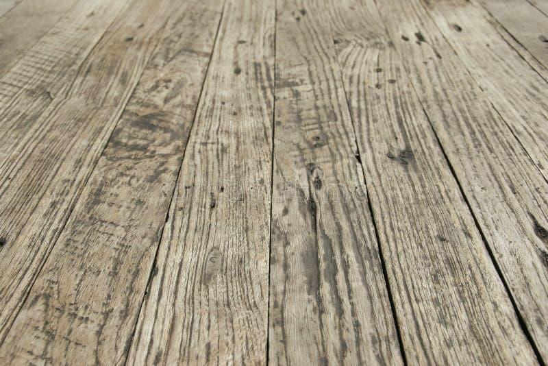 Opinião de perspectiva do assoalho de madeira velho como o fundo imagem de stock