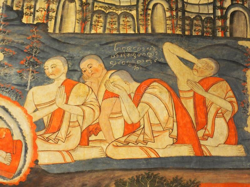 Opinião de pintura de parede no templo de TAILÂNDIA do norte: Templo de WAT PHUMIN fotografia de stock