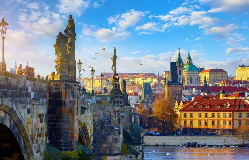 Opinião de Praga, República Checa Charles Bridge imagem de stock royalty free
