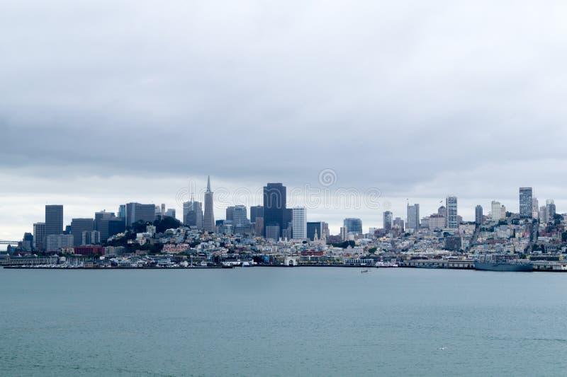 Opinião de San Francisco City de Alcatraz fotografia de stock