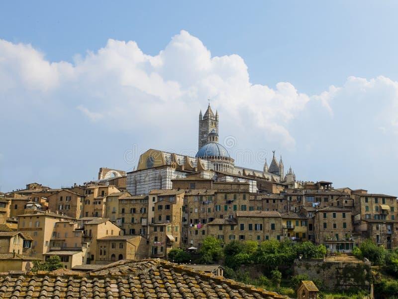 Opinião de Siena com o domo. Siena, Itália foto de stock