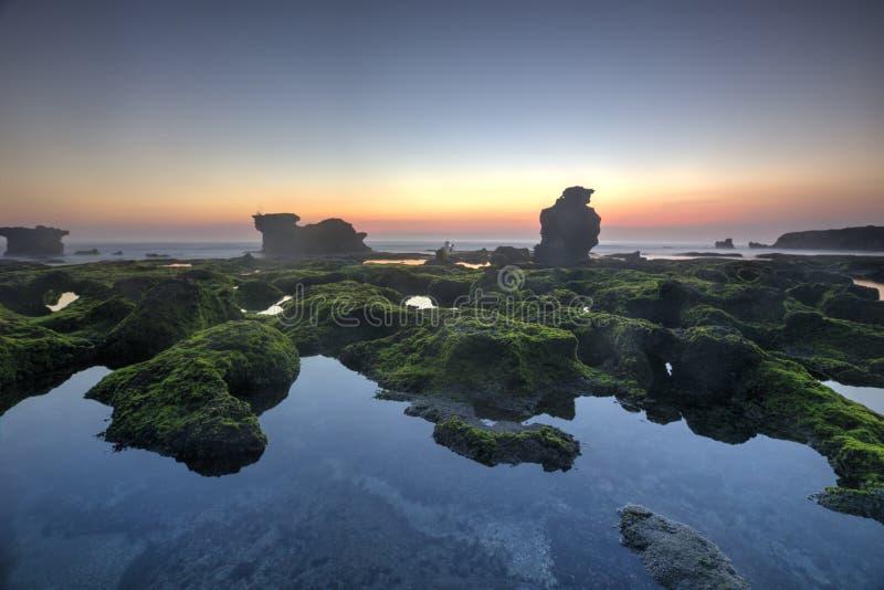 Opinião de Snenic da praia em Bali foto de stock
