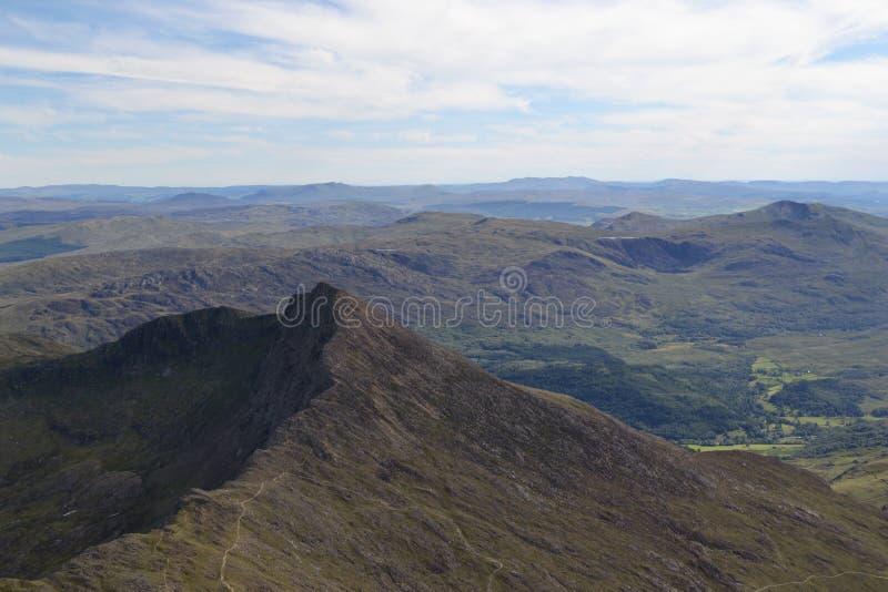 Opinião de Snowdonia da cimeira fotos de stock