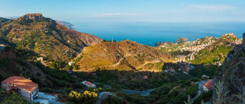 Opinião de Taormina de Castelmola, Sicília fotos de stock
