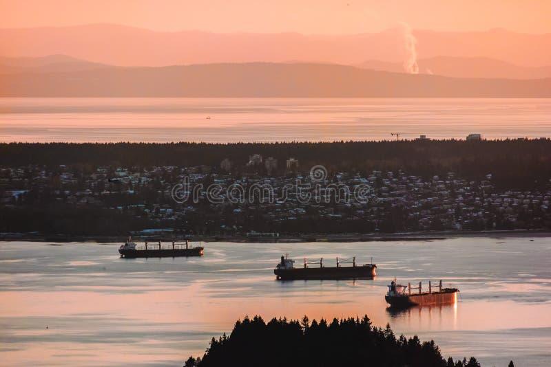 Opinião de Vancôver da montanha do galo silvestre em Vancôver norte, BC, Canadá foto de stock royalty free