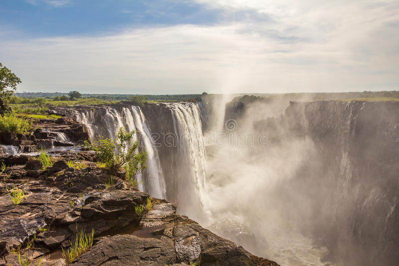 Opinião de Victoria Falls da ilha de Livingston fotos de stock royalty free